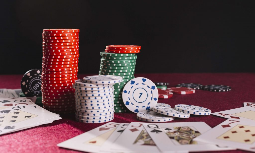 cards_and_casino_chips